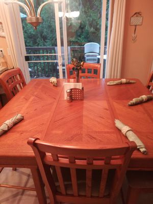 Dining set for Sale in Puyallup, WA