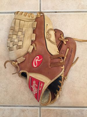 Baseball glove for Sale in Germantown, MD