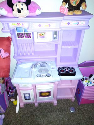 Little tikes kitchen for Sale in Lorain, OH