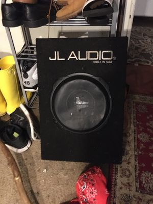 JL Audio 10 inch subwoofer in box for Sale in Beaverton, OR