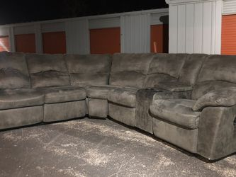Gray Recliner Sectional for Sale in Bridgeton,  MO