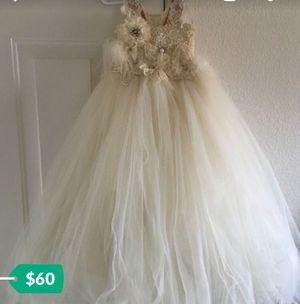 Flower girl dress size 4-5t for Sale in Fresno, CA
