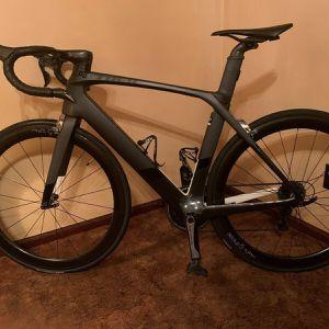 Trek Madone 9.5 56cm Like New for Sale in Miami, FL