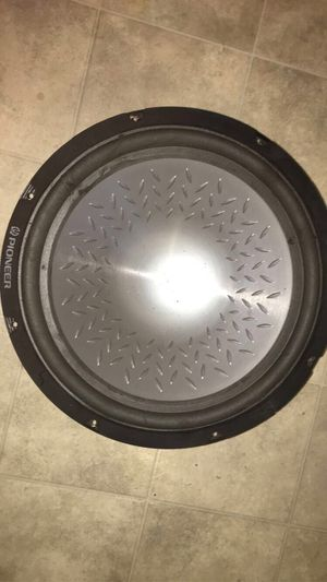 15 pioneer subwoofer 600 watts for Sale in Modesto, CA