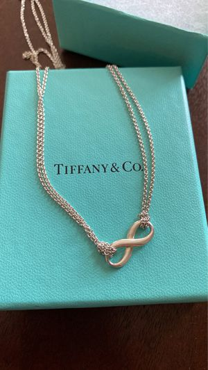 Tiffany & Co necklace (needs repair) for Sale in Houston, TX