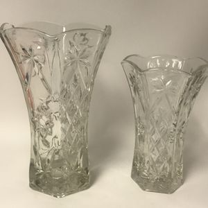 2 Clear Glass Vases for Sale in Nottingham, MD