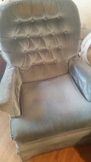 Over stuffed chair for Sale in Cedar Springs, MI