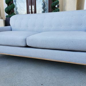 EXCELLENT CONDITION Light Gray Tufted Back Arm Couch Sofa Loveseat for Sale in Monterey Park, CA