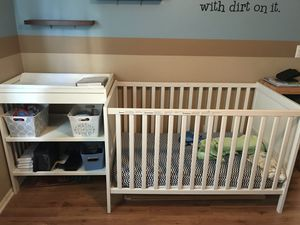 Crib/toddler bed, and diaper changing table combo! for Sale in TEMPLE TERR, FL