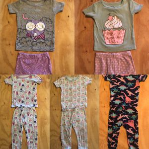 Baby girl pjs size 12 month, 5 pairs for Sale in Vancouver, WA