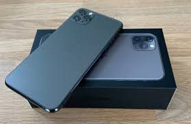 Iphone 11 pro max unlocked for Sale in Inglewood, CA