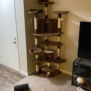 Cat Tower for Sale in Modesto, CA