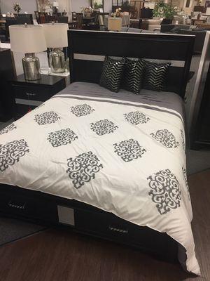 Queen Storage Bed, Black for Sale in Santa Fe Springs, CA