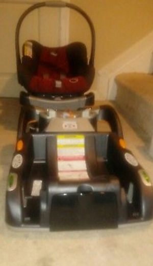 Chicco KeyFit 30 - Romantic Infant Car Seat+ (extra base) included. for Sale in Baltimore, MD