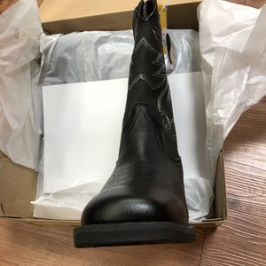Size 9 $60 obo New in box western style work boot genuine leather quality for Sale in Snohomish, WA