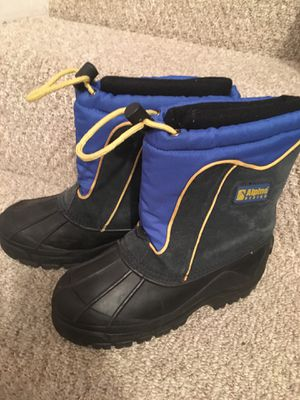 Snow boots, Alpine design, kid size 4 for Sale in San Diego, CA