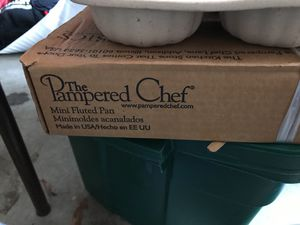 Pampered Chef Flute Pan set of two for Sale in Frederick, MD
