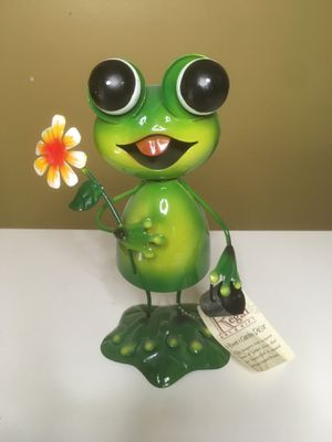 "New- Regal Art & Gift 32"" Green Frog Metal Lawn Stake for Sale in Kansas City, KS"