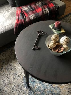 Round Charcoal Gray Ombré Coffee Table for Sale in Los Angeles,  CA