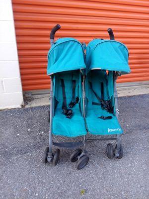 Twin stroller for Sale in Hyattsville, MD