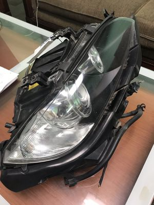 2007 BMW 335 right headlight for Sale in Manassas Park, VA