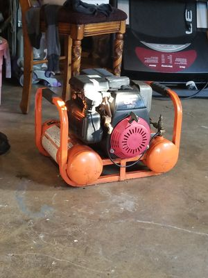 Industrial air compressor with Honda GC 160 gas powered motor for Sale in Lincoln Acres, CA