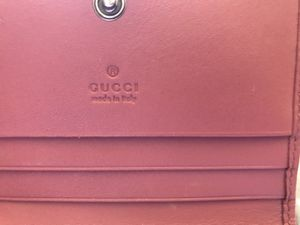 Gucci Authentic bloom print wallet for Sale in Troy, MI