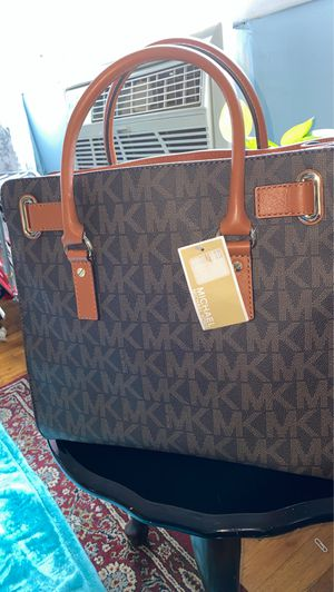 Michael Kors Hamilton Bag for Sale in Queens, NY