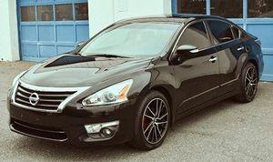Nissan Altima 2014 4D 2.5 Clean tilte for Sale in Lancaster, CA