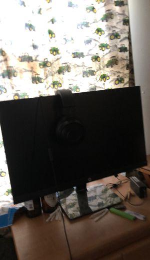 Hp 23 inch monitor 4K with kraken razr headset for Sale in Burlington, NJ