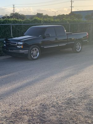 2006 Chevy Silverado wtt/wts for Sale in Waianae, HI