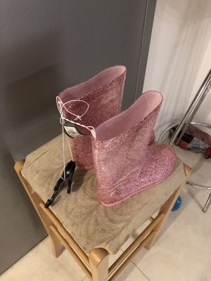 Girls Glitter pink boots size 3 new with tags never worn for Sale in Queens, NY