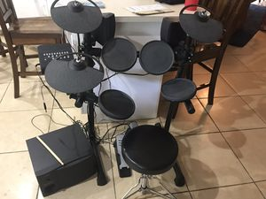 Yamaha electric drum set with monitor speaker for Sale in Cape Coral, FL