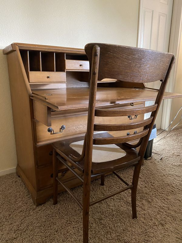 Maple wooden desk and chair