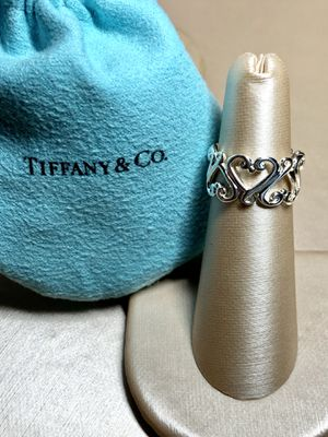 Tiffany & Co Venezia Goldoni Heart Band for Sale in Brooklyn, NY