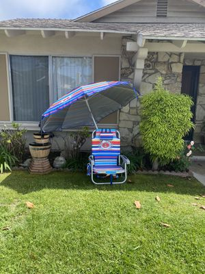 Tommy Bahama beach umbrella and beach chair for Sale in Westminster, CA