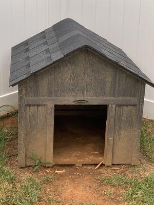 Leonard dog house for Sale in Burlington, NC