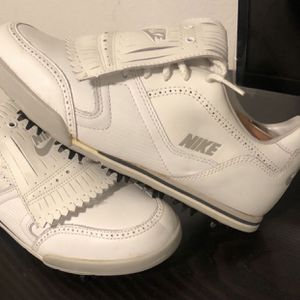 Nike Wingtip Golf Shoes - Size 8.5 for Sale in Las Vegas, NV
