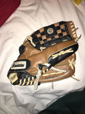 Baseball glove for Sale in Fresno, CA
