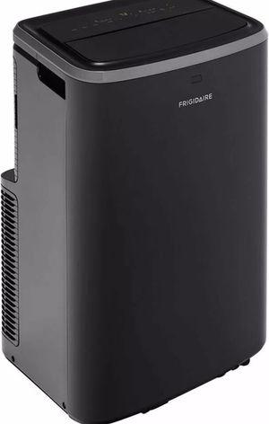 Frigidaire 12000 BTU Portable Air Conditioner w/Remote 550 Sq Ft for Sale in Sebring, FL
