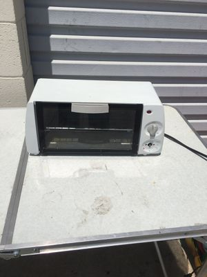 Toaster oven works great only $5. for Sale in Torrance, CA