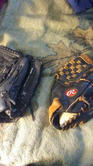 baseball gloves for Sale in Kyle, TX