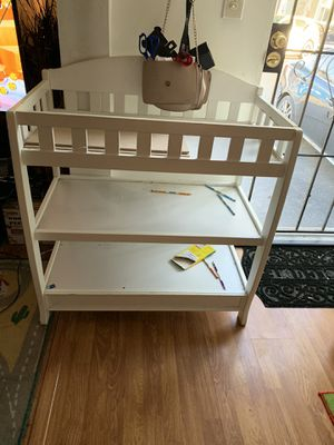 Changing table for Sale in Cudahy, CA