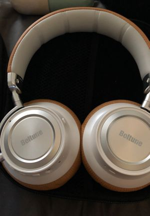 Bluetooth noise canceling headphones for Sale in Chula Vista, CA
