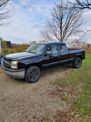 05 chevy Silverado Z71 for Sale in North East, PA
