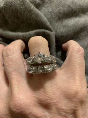 New 2 piece CZ sterling silver 925 wedding ring size 7 for Sale in Palatine, IL