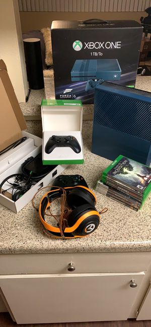 Limited Edition Forza Xbox One Bundle for Sale in Hawthorne, CA