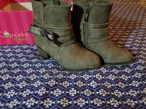 Girls boot # 8 for Sale in Jacksonville, FL