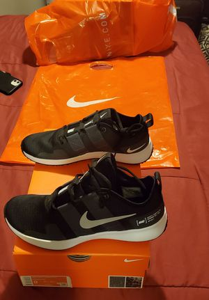 NIKE RUNNING SHOES for Sale in Los Angeles, CA