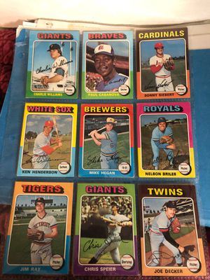 Beautiful 1975 topps baseball card lot #3of 18 cards all for only $4 for Sale in Greenbelt, MD